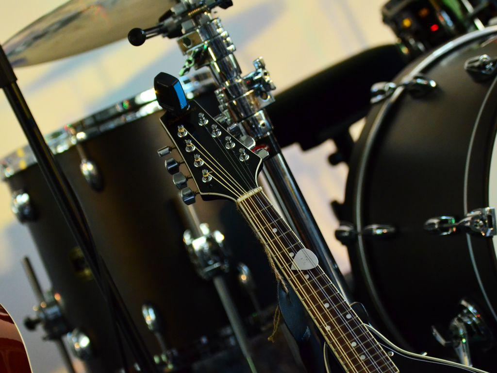 1024x768 Wallpaper musical instrument, music, percussion, guitar