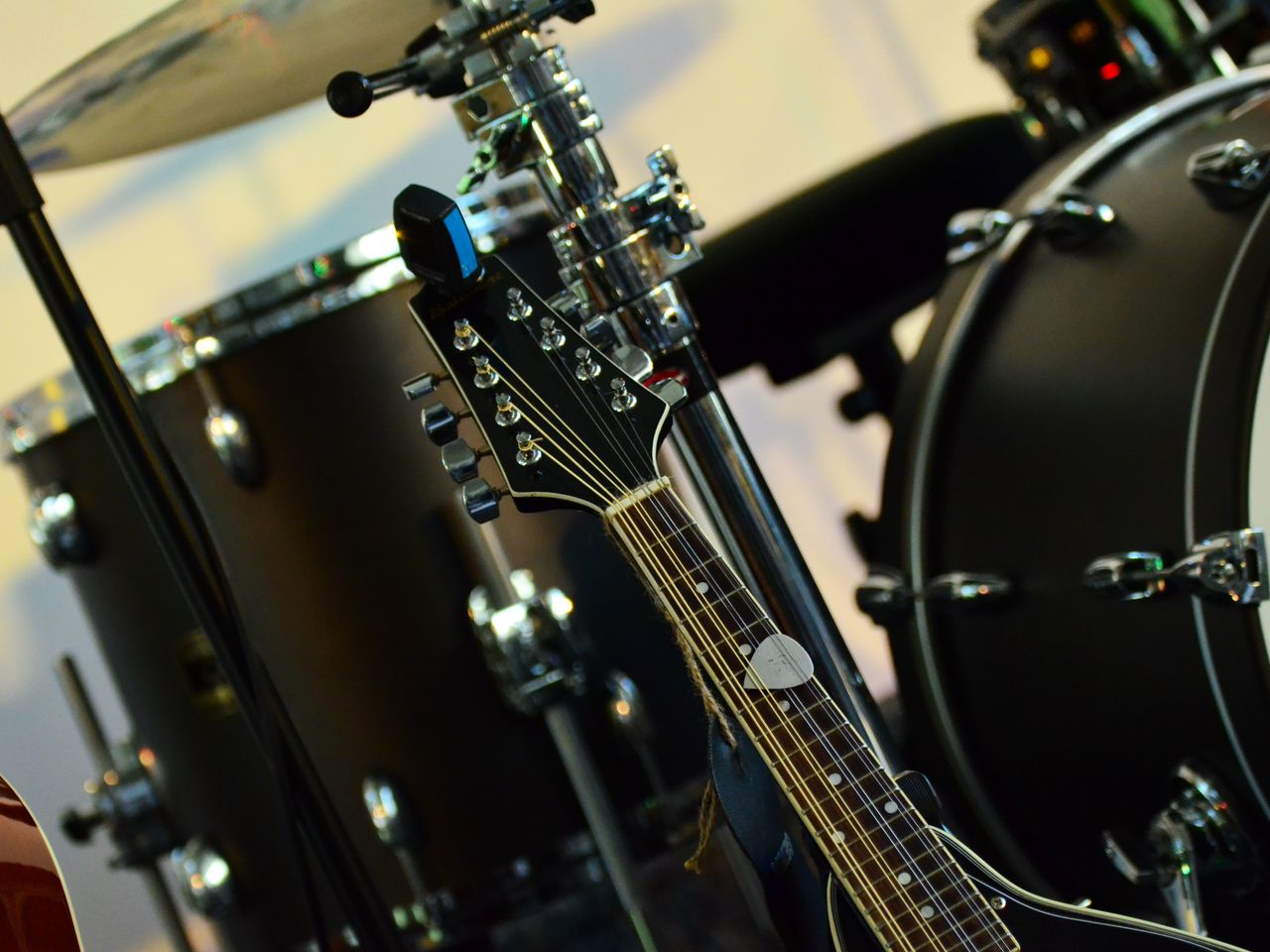 1280x960 Wallpaper musical instrument, music, percussion, guitar