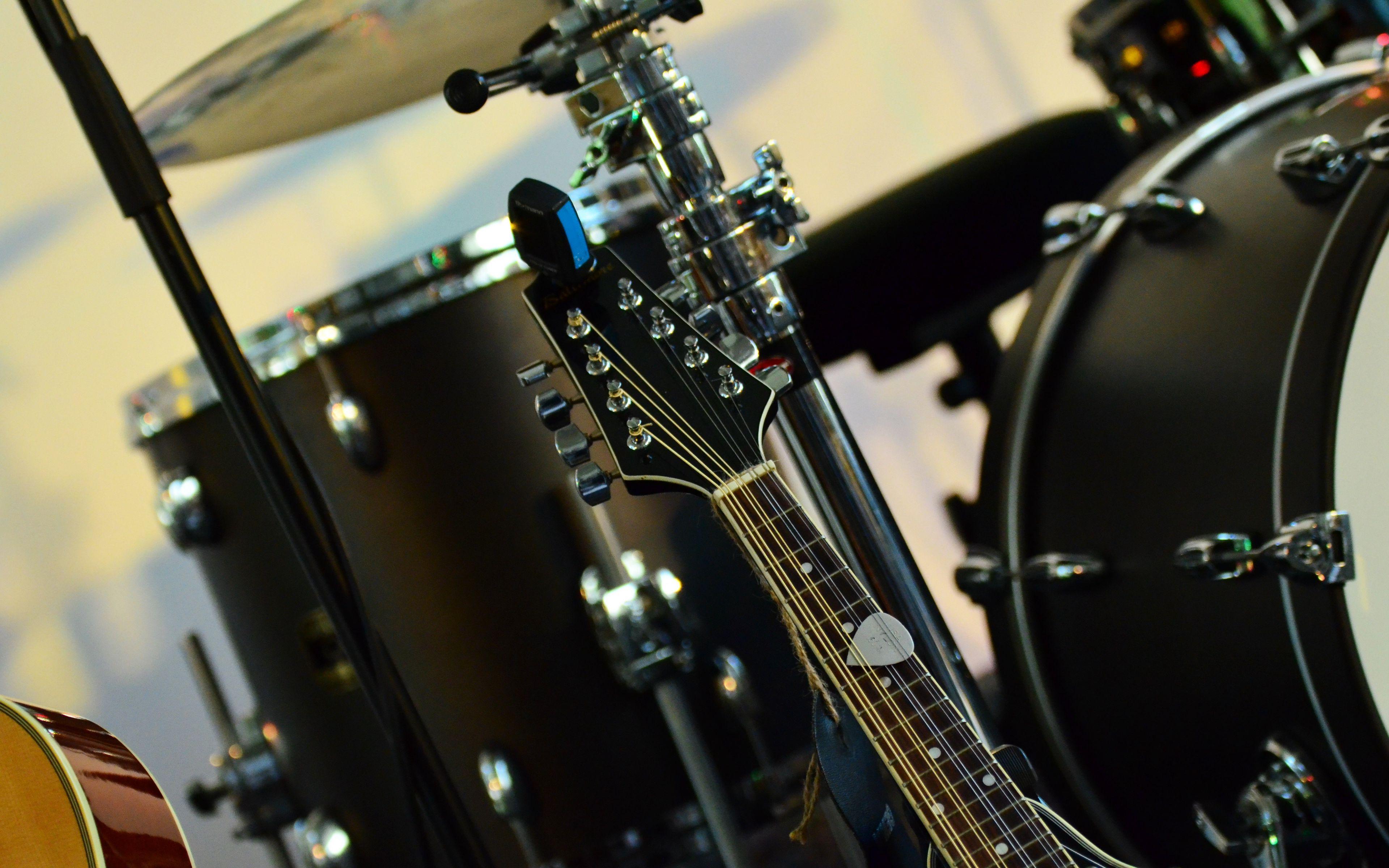 3840x2400 Wallpaper musical instrument, music, percussion, guitar
