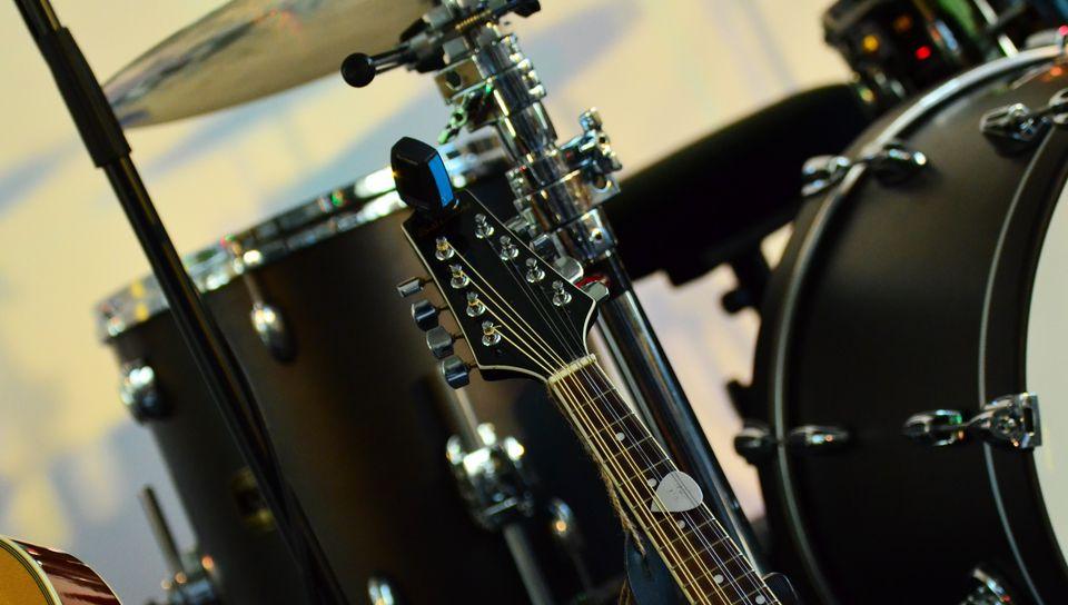 960x544 Wallpaper musical instrument, music, percussion, guitar
