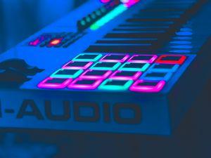 Preview wallpaper neon, key, instrumental, audio