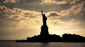 Preview wallpaper new york, statue of liberty, river, evening