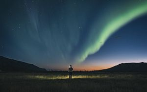 Preview wallpaper night, silhouette, starry sky, northern lights, light
