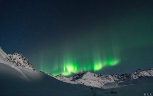 Preview wallpaper northern lights, sky, mountains, snow, winter, landscape