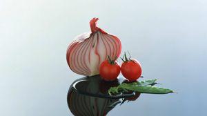 Preview wallpaper onion, tomato, city, reflection