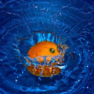 Preview wallpaper orange, spray, water, fruit, citrus