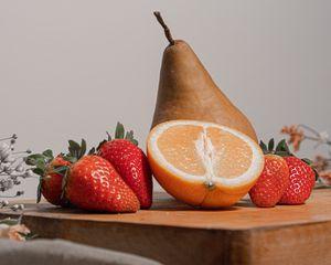 Preview wallpaper orange, strawberry, pear, fruit, still life