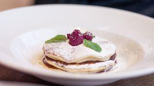 Preview wallpaper pancakes, raspberry, sprinkling