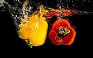 Preview wallpaper pepper, spray, water, splash, vegetables