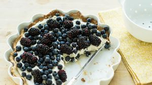 Preview wallpaper pie, blueberry, blackberry, cheesecake