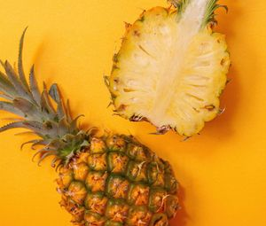Preview wallpaper pineapple, fruit, yellow