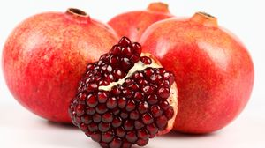 Preview wallpaper pomegranate, berries, fruit, ripe, juicy