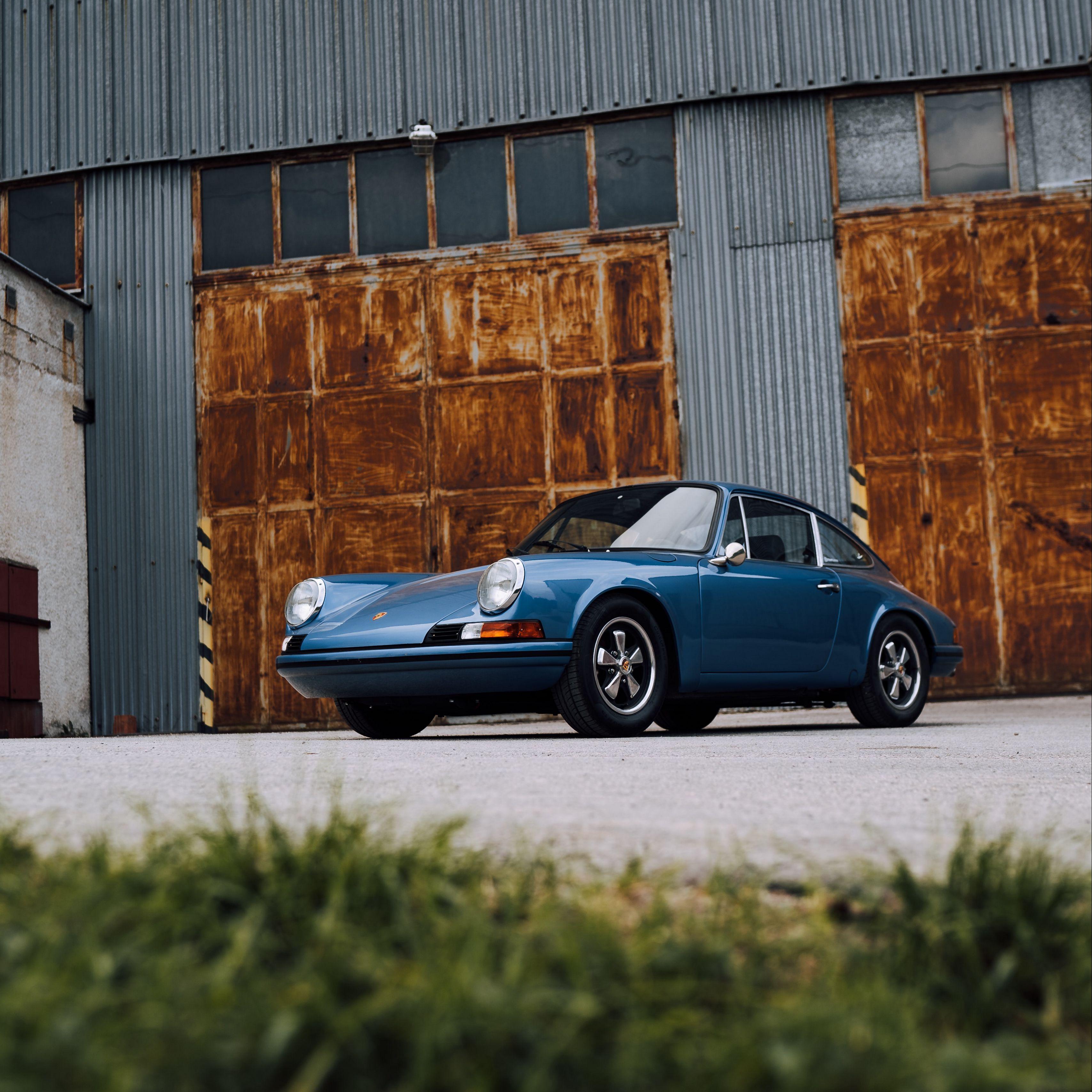 3415x3415 Wallpaper porsche, car, side view, blue