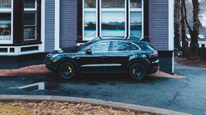 Preview wallpaper porsche cayenne, porsche, car, black, house, parking