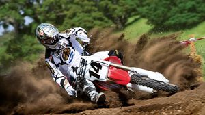 Preview wallpaper race, motorcycle, rotation, guy