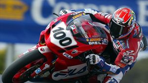 Preview wallpaper racer, motorcyclist, arrival, number, red