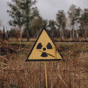 Preview wallpaper radiation, sign, warning, symbol