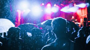 Preview wallpaper rain, crowd, silhouettes, people