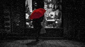 Preview wallpaper rain, umbrella, bw, man, showcase, loneliness, night, walk