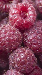 Preview wallpaper raspberry, berries, red, ripe, juicy