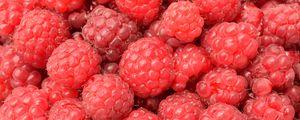 Preview wallpaper raspberry, berry, ripe, many