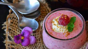 Preview wallpaper raspberry, dessert, cream