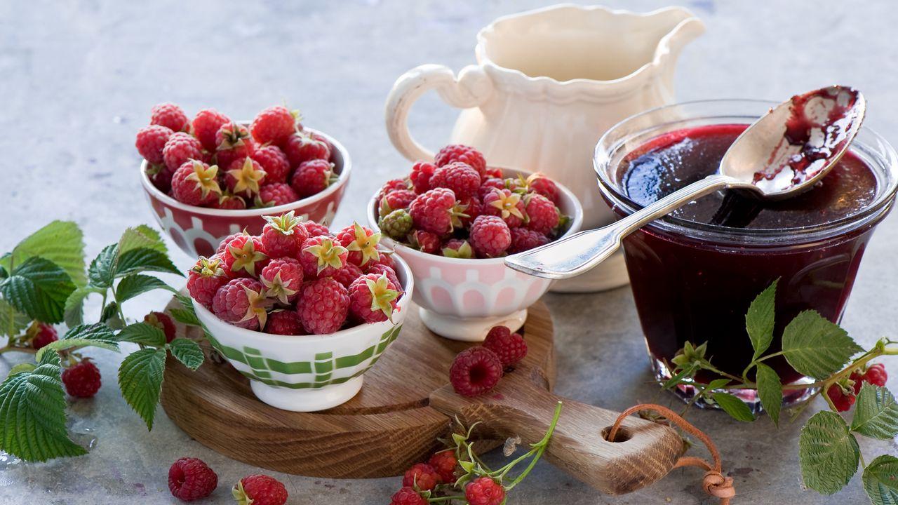 1280x720 Wallpaper raspberry, jam, fruit, dishes