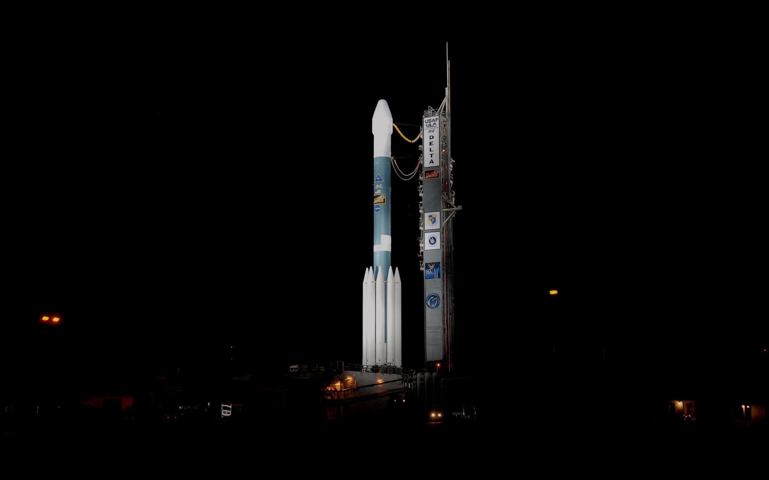 2560x1600 Wallpaper rocket, cosmodrome, night