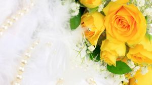 Preview wallpaper roses, flowers, flower, yellow, gypsophila, pearls, jewelry