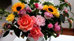Preview wallpaper roses, sunflowers, jasmine, flowers, bouquets, composition, vase