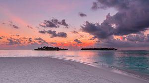 Preview wallpaper sand, beach, ocean, sunset, sky, horizon