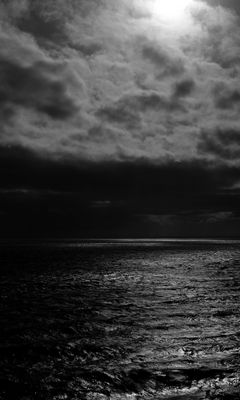 240x400 Wallpaper sea, horizon, bw, overcast, clouds, ripples
