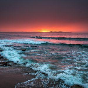 Preview wallpaper sea, horizon, sunset, waves, foam, surf, beach