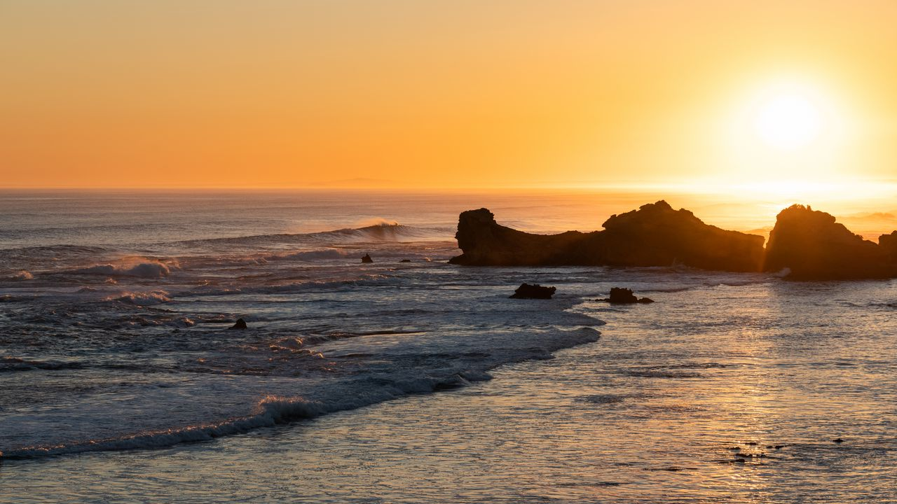 大海,岩石,风景,日落高清壁纸免费下载