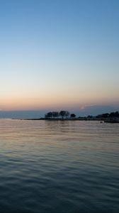 Preview wallpaper sea, shore, water, horizon, twilight