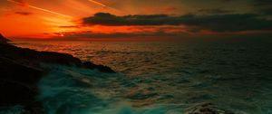 Preview wallpaper sea, waves, night, rocks
