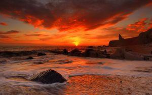 Preview wallpaper sea, waves, rocks, beach, sunrise