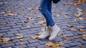 Preview wallpaper shoes, legs, jeans, autumn