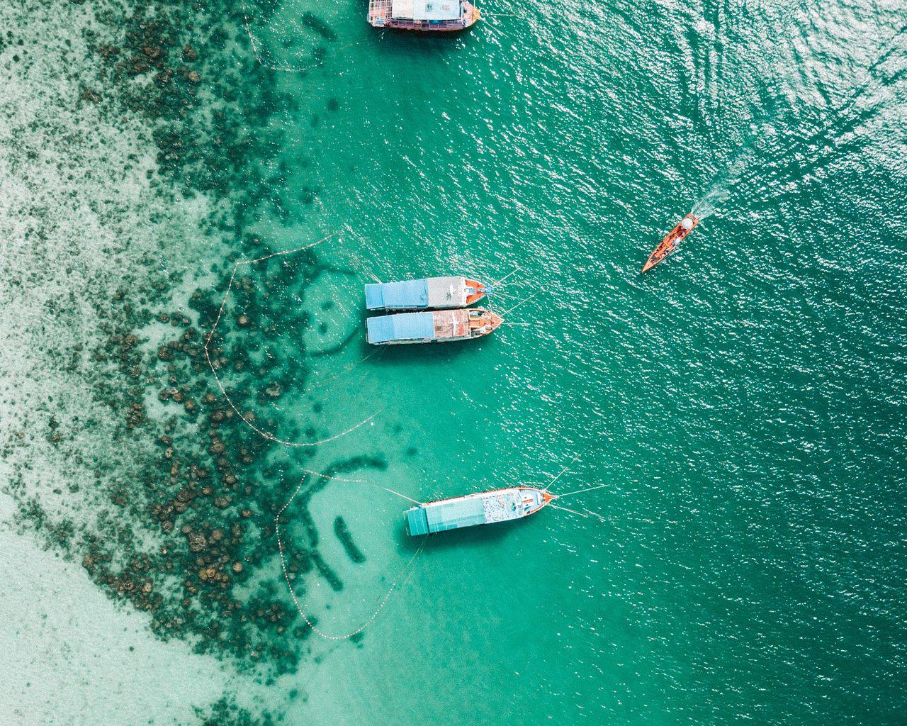 1280x1024 Wallpaper shore, boats, sandbar, ocean, moored, aerial view