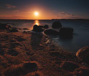 Preview wallpaper shore, sea, sun, sunset