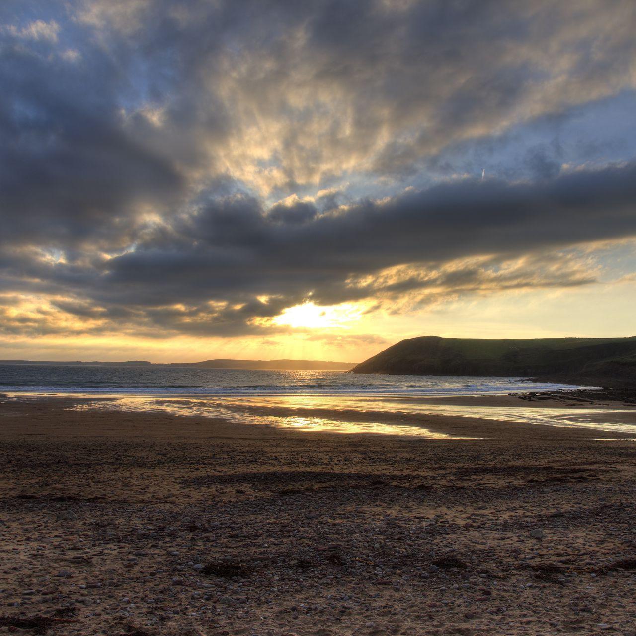 1280x1280 Wallpaper shore, water, sunset, landscape