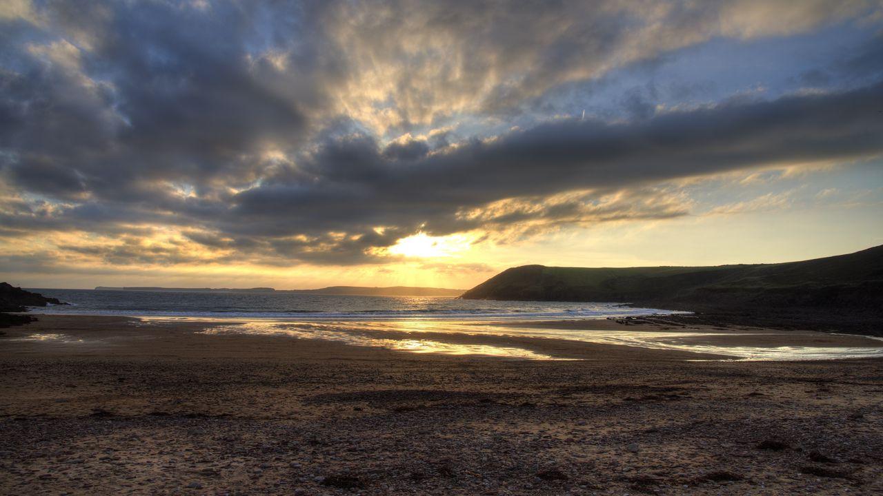 1280x720 Wallpaper shore, water, sunset, landscape