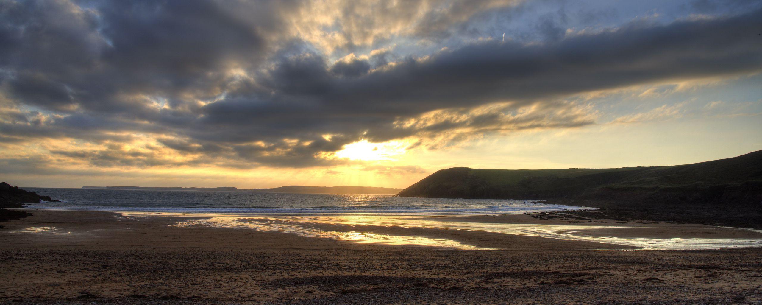 2560x1024 Wallpaper shore, water, sunset, landscape