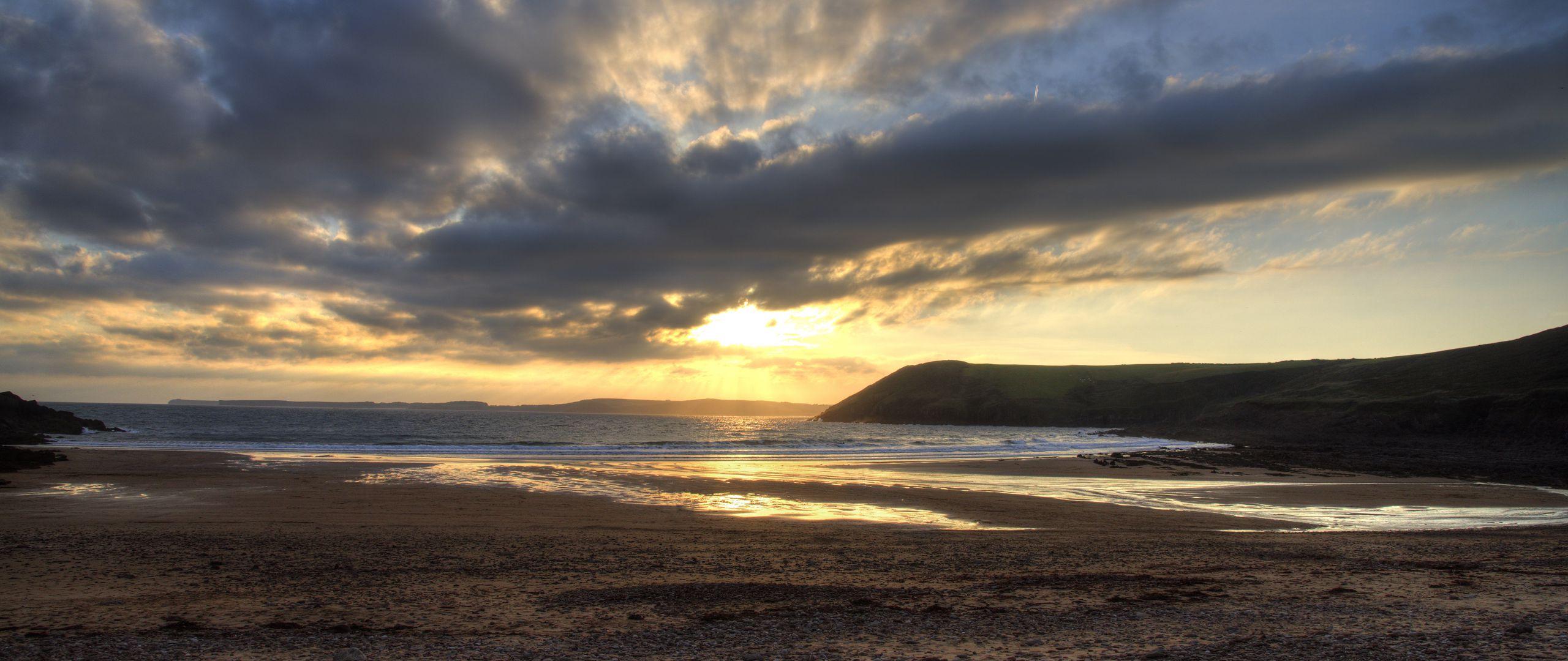 2560x1080 Wallpaper shore, water, sunset, landscape