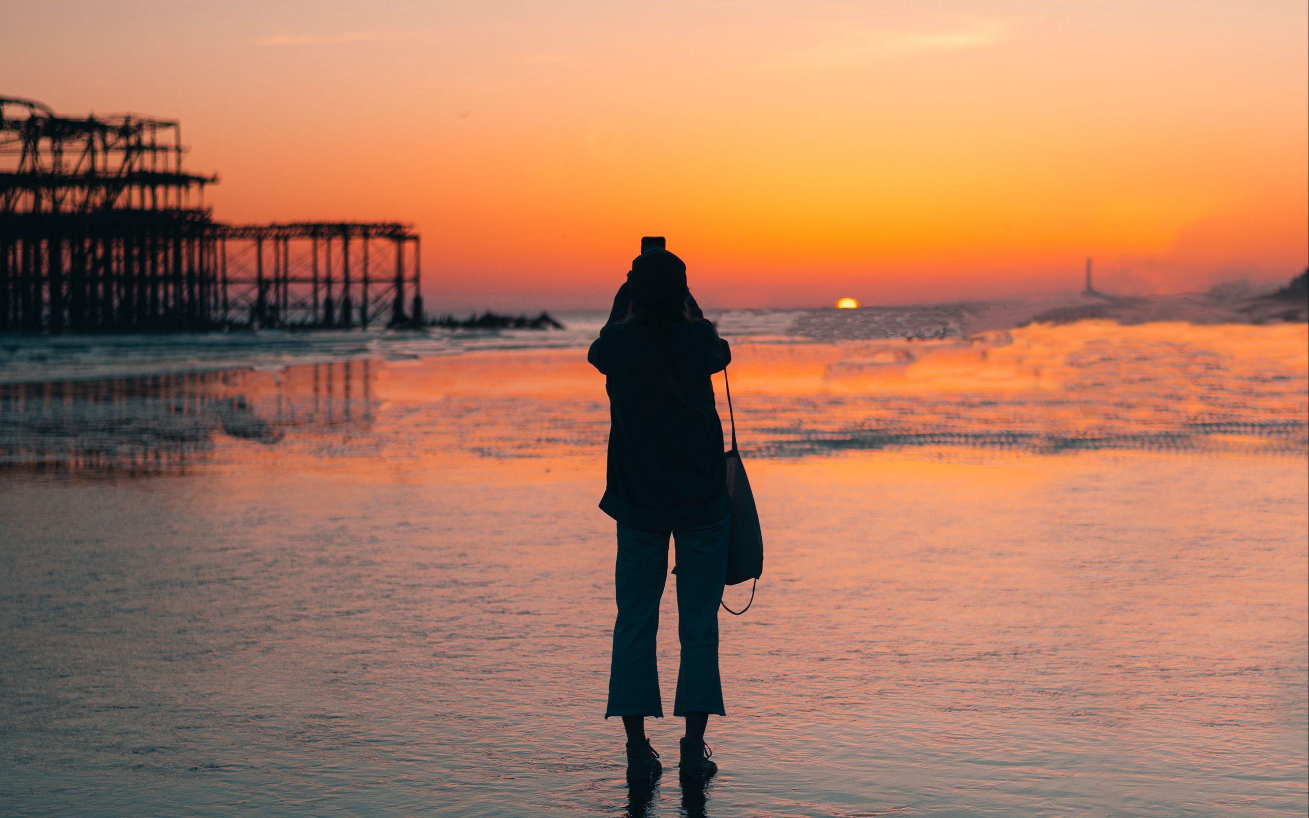 2560x1600 Wallpaper silhouette, alone, beach, sea, sunset, dark