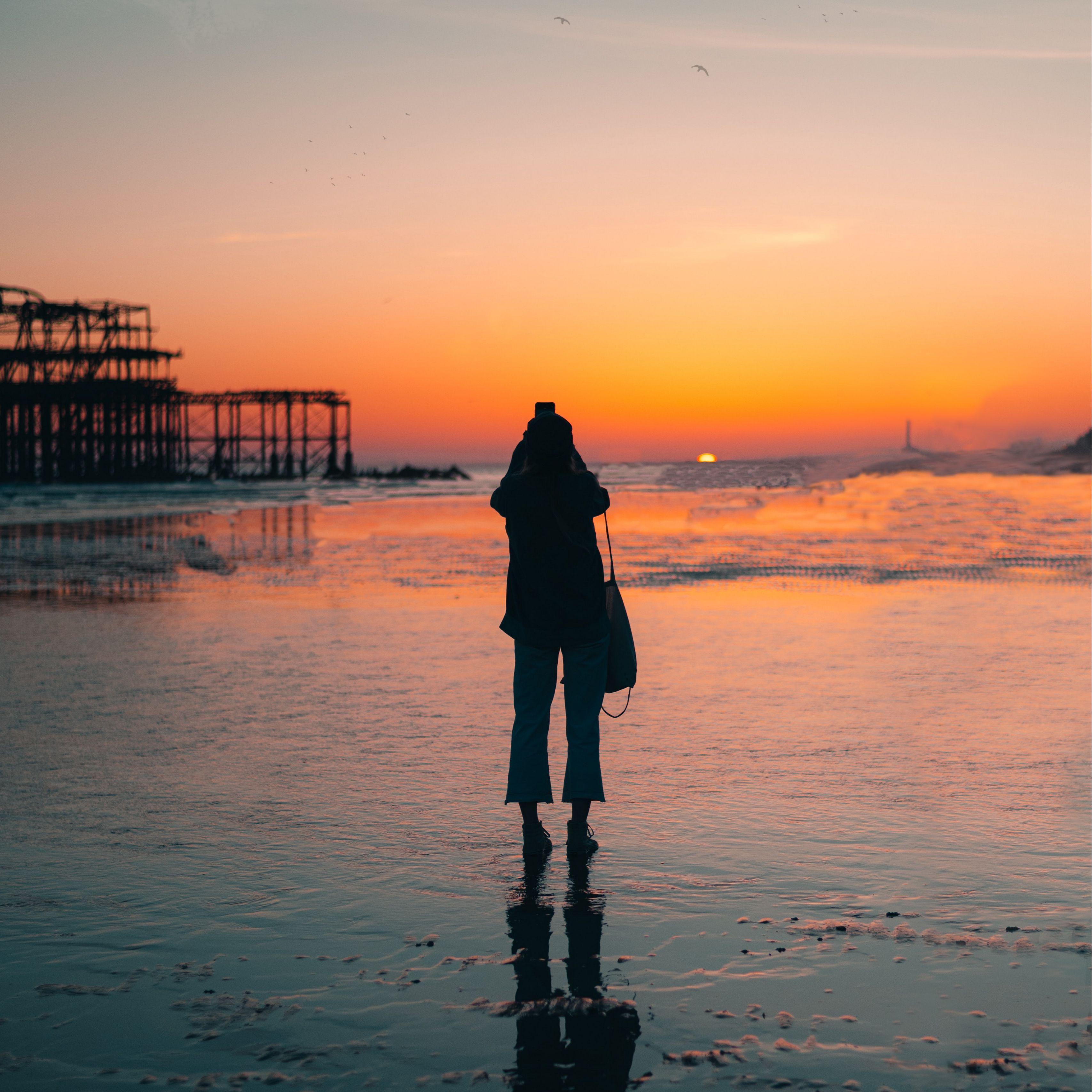 3415x3415 Wallpaper silhouette, alone, beach, sea, sunset, dark