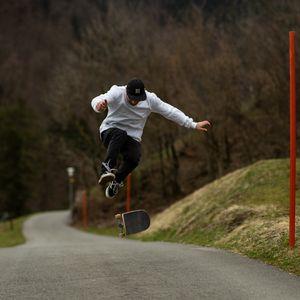 Preview wallpaper skateboarder, skateboard, skate, trick, jump