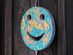 Preview wallpaper smiley, smile, decoration, wooden