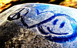 Preview wallpaper snow, heart, peace, drawing, glass
