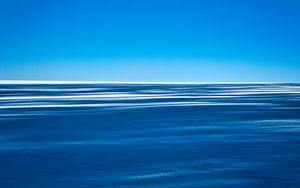 Preview wallpaper snow, shadows, stripes, horizon, landscape, blue